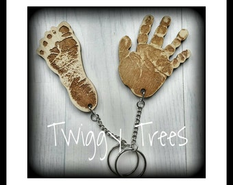 Personalised Foot/Hand Shaped - Wooden Handprint Keyring, Hand Print key Ring, Children's Footprint, Child's Foot Print Key Fob, Dad gift