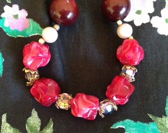 Vintage 1950's *  1960's Red Beaded Necklace * Single Strand