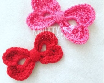 Crochet Heart Bows// Valentines Bow// Heart Hair Bows