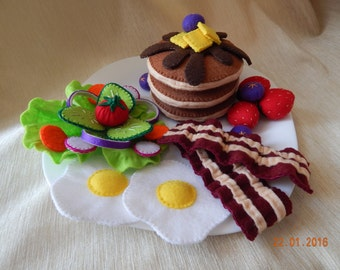 Felt breakfast set. (+Gift). Breakfast with pancakes, eggs, bacon and salad. A great gift for children. Felt pancakes.