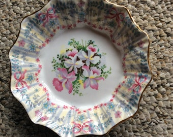 Queen Anne Fine bone China 1949 plate (small) Royal Bridal Gown