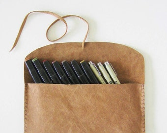 Reserved for S. - Boho Leather Pencil Pouch ON SALE 35 instead of 60 - Le grand bohème- toffee brown, distressed, hand stitched, 5x10