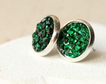 Faux 12mm Emerald Green boucles d'oreilles CLOUS ou CLIPS Druzy foncé vert Druzy faux Druzy résine Druzy poste Druzy bouchons Faux E349 Drusy