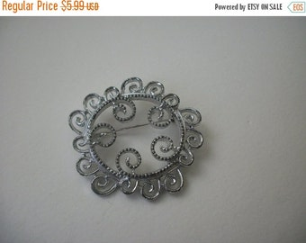 ON SALE 1950S Vintage Silver Tone Filigree Brooch 413