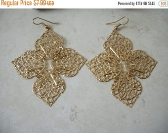 ON SALE Vintage Spanish Large Gold Filigree Earrings 1622