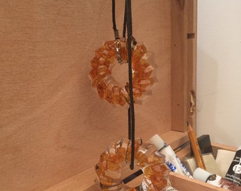 aesidhe | Admente necklace | resin necklace | ambar necklace | ambar jewelry | semi precious stones