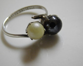 Vintage Handmade Sterling Silver White & Black Pearl Ring ( Size 4 )