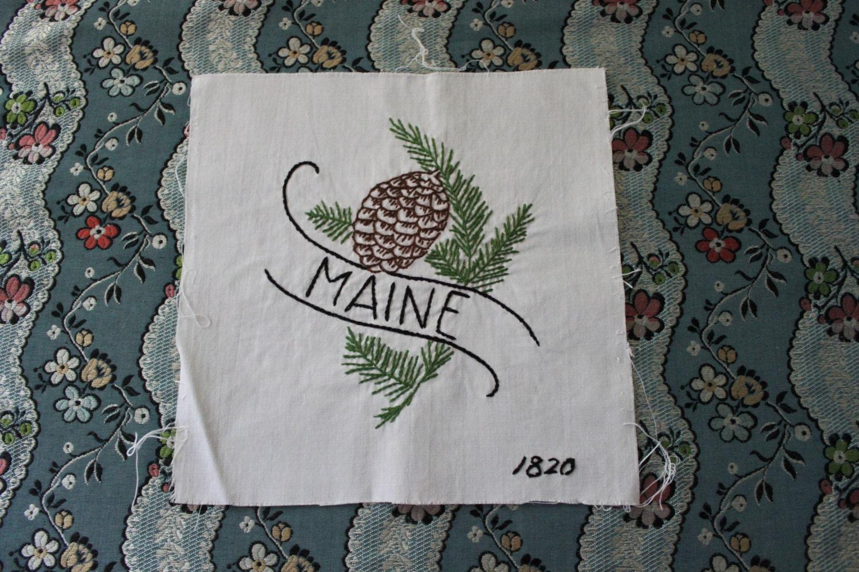 Vintage Maine State Flower Quilt Block L13