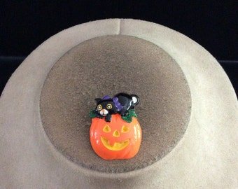 Vintage Halloween Black Cat & Pumpkin Pin