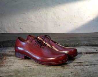 Men's wholecut oxford style, handmade, hand painted shoes cherry/burgundy