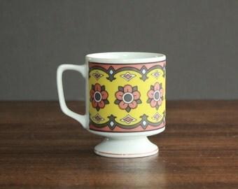 Retro Flower Power Mug