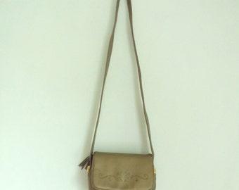 Vintage 80s Small Gold Shoulder Purse, Faux Leather Purse, Cross Body Bag, Minimalist Purse, Embossed Purse, Wide Strap, Gold Bag Handbag