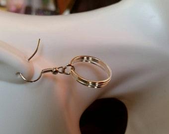2s-0029: Silver hoop dangle earrings
