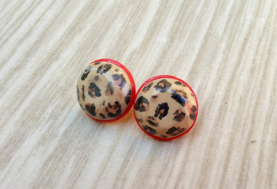 1950s Costume Jewelry Leopard Print Earrings Button Earrings Red Stud Earrings Bettie Page Rockabilly Jewellery Polymer Clay Animal Print Cheetah Print $9.16 AT vintagedancer.com