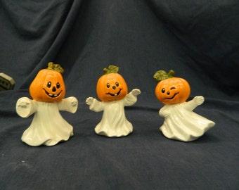 Pumpkin Head Ghosts