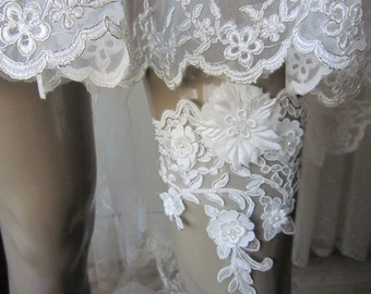 Wedding garter, ivory lace garter, bridal accessories
