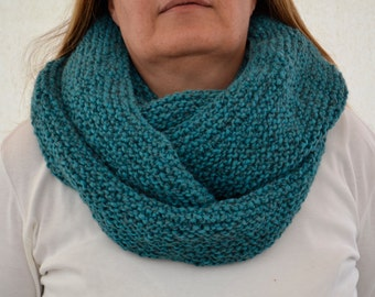 Knitted Neck Warmer, Green Handknit Neck Warmer,  Neck Warmer,Knit Infinity Cowl, Knit Cowl
