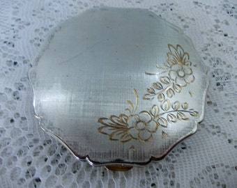 Vintage Stratton Powder Compact, Silver Plated & Hand Engraved, Scalloped Matte Lid with Gold Flowers, Goldtone inside, Made in England