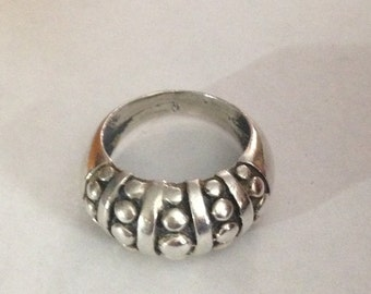 Nice heavy sterling silver ring size 7.5