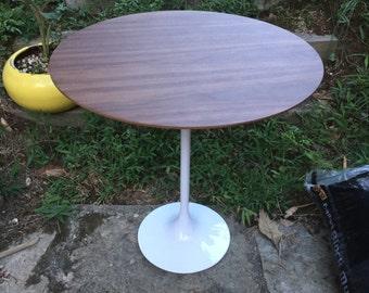 Walnut Side Table Tulip Mid-Century Knoll Saarinen style