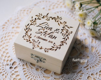 Wedding Ring Box with Wreath in Solid Color // Ring Bearer Box with flowers