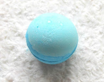 Frozen hidden treasure jumbo bath bomb