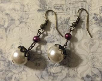 Ivory and Purple Pearl Earrings, Vintage Inspired Pearl Earrings, Pearl Earrings