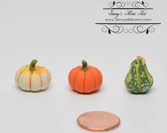 10 % off 1:12 Dollhouse Miniature Set of Gourds/ Miniature Pumpkins/ Miniature Halloween BD P087