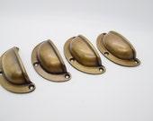 1x Vintage brass handles, 85 mmVintage antique brass. cupboard drawer pulls. brass drawer handles. metal handles pulls. Kitchen drawers