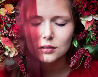 Headdress flowers red
