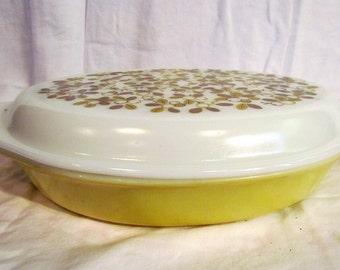 1960s Verde Cinderella Oval Pyrex Serving Dish 1.5 Quart