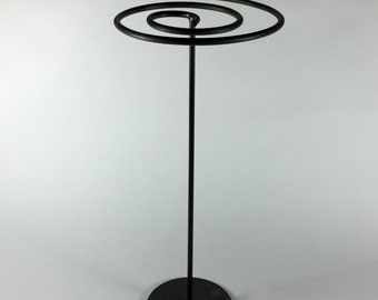 Spiral necklace stand