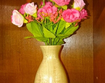 Bud vase with artificial flowers and test tube insert for use with fresh flowers