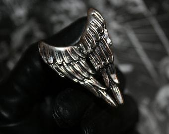 Angel wings ring in silver tone metal