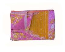 Vintage Throw Kantha Quilt Indian Handmade Bohemian Bedspread Reversible Cotton Ethnic Sari Fabric Embroidered Bedding Blanket Gudar