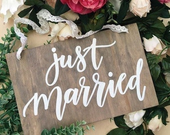 Just married sign | wedding sign | wedding prop | photo prop | wooden wedding sign | rustic wedding