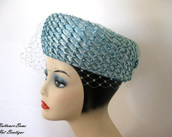 Vintage Turqouise Cellophane Straw Hat w netting by Leslie James Circa 1960's