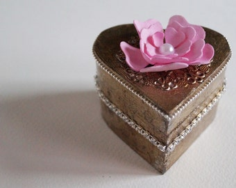 Wedding box, heart box, jewelry box, ring bearer box, boite a bijoux argent, box for jewellery, Alice in Wonderland, Jane Austen party