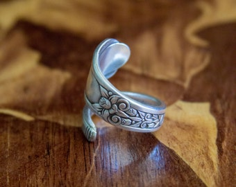 "1938 ""Floral"" Spoon Ring"
