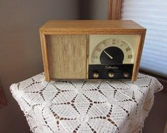 Vintage Tube AM Radio/ Phono Amplifier - 1950 Silvertone E 4948