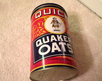 Reproduction of a vintage Quaker Oats can with lid