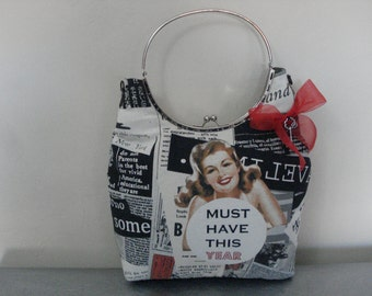 Pin-up newspaper bag