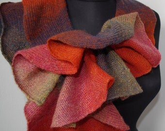 Frilly scarf, Knitted scarf, Fashion scarf, Autumn / Winter scarf, Autumn Fashion Accessories wool Dundaga