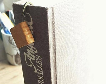 Brand pages leather - bookmark book-Book vintage - pointing book - gift for reader - separator leather-Jewelery book