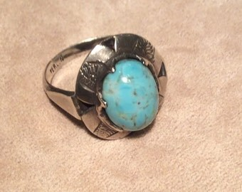 Vintage Taxco Turquoise Cabochon and Silver Ring