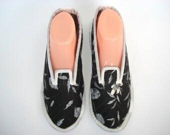 Bedroom slippers | Etsy