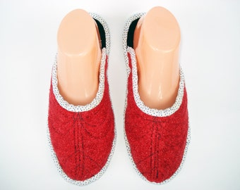 Red Wool Womens Slippers, Boucle House Slippers, Ladies Slippers, Warm Slippers, House Shoes, Slippers for women, Wool Shoes, Gift for women