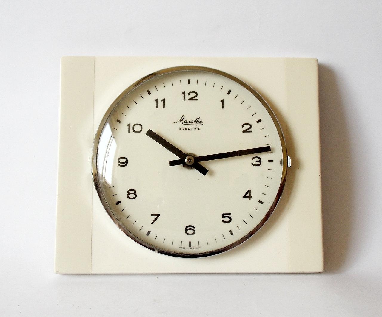 Vintage Pop Art Style 1960s Ceramic Kitchen Wall Clock MAUTHE