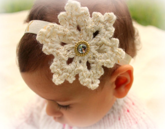 Crochet snowflake headband, Christmas hair accessories, Christmas headband, Holiday headband, Baby elastic headband, Christmas photo props