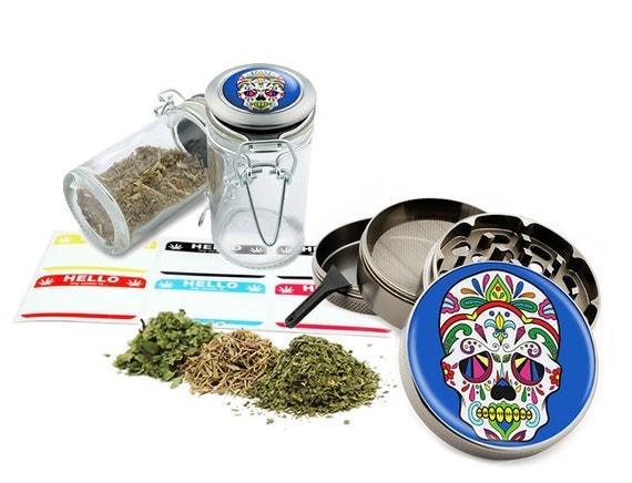 "Sugar Skull - 2.5"" Zinc Alloy Grinder & 75ml Locking Top Glass Jar Combo Gift Set Item # G021615-039"